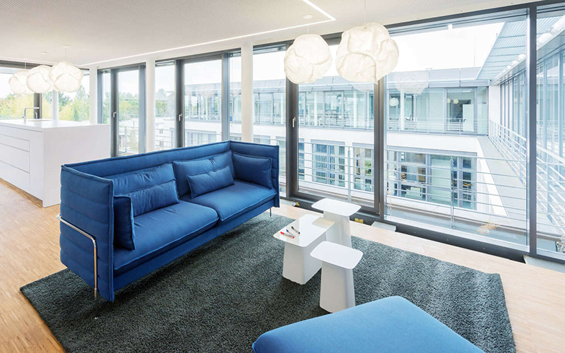 Neutral and colorful rugs ideas from the finest Frankfurt Interior Designers